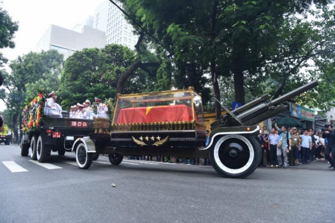 Vietnamese bid farewell to President Tran Dai Quang - 2