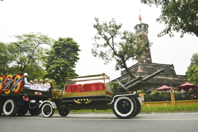 Vietnamese bid farewell to President Tran Dai Quang - 4