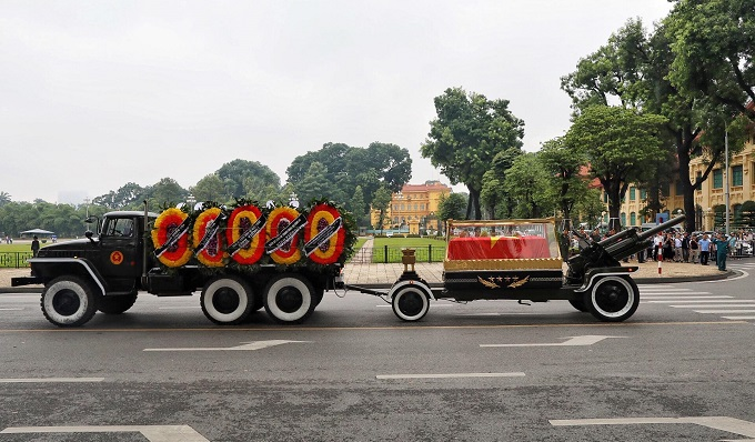 Vietnamese bid farewell to President Tran Dai Quang - 5