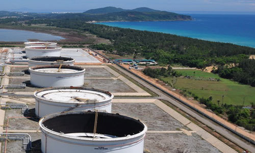 Vietnamese giants want out from billion-dollar oil refinery projects