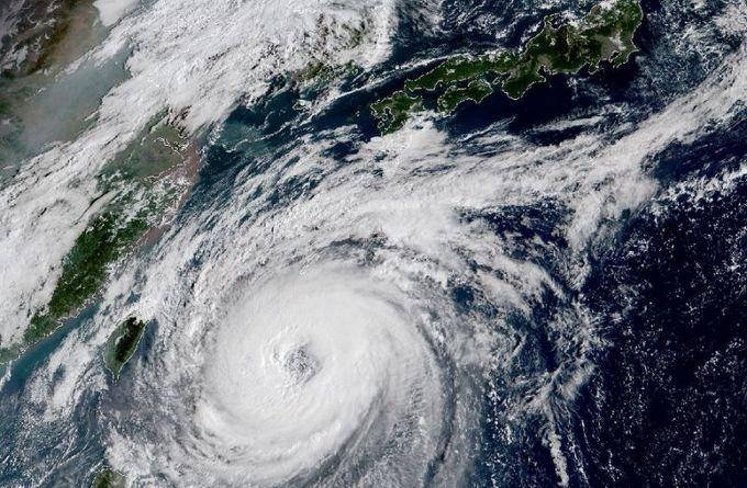 'Very strong' typhoon Trami churns towards Japan
