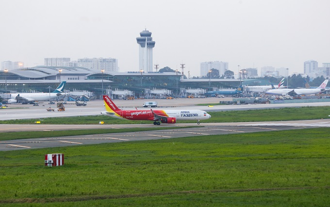 A majority of airports in Vietnam are not making profits. Photo by VnExpress/Quynh Tran