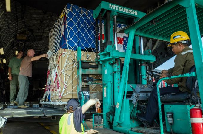 Australian military aircraft picks up Vietnamese doctors for U.N. peacekeeping mission - 2