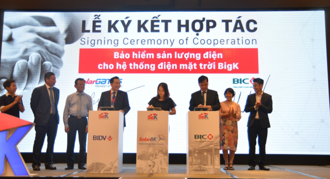 The signing ceremony of cooperation between SolarBK, BIC Insurance and BIDV.