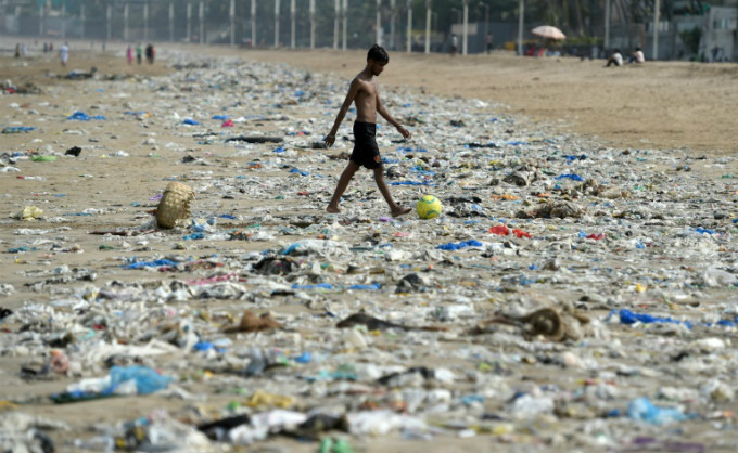 Like many cities in India, Mumbai has long been awash with vast mountains of plastic rubbish.