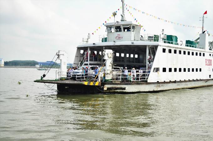 S.Korean contractor blamed for late repair of Vietnams major bridge
