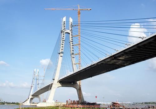 S Korean contractor slammed for delay in opening major Vietnam bridge