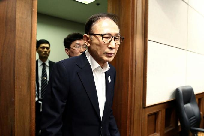 South Korea jails former president Lee for 15 years on corruption charges