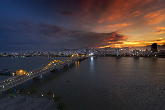 Dragon Bridge is an iconic symbol of Da Nang City, a top holiday destination for Singaporeans in 2018. Photo acquired by VnExpress