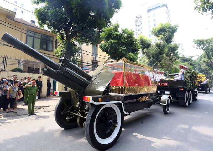 Nation bids farewell to former Party Chief Do Muoi - 7