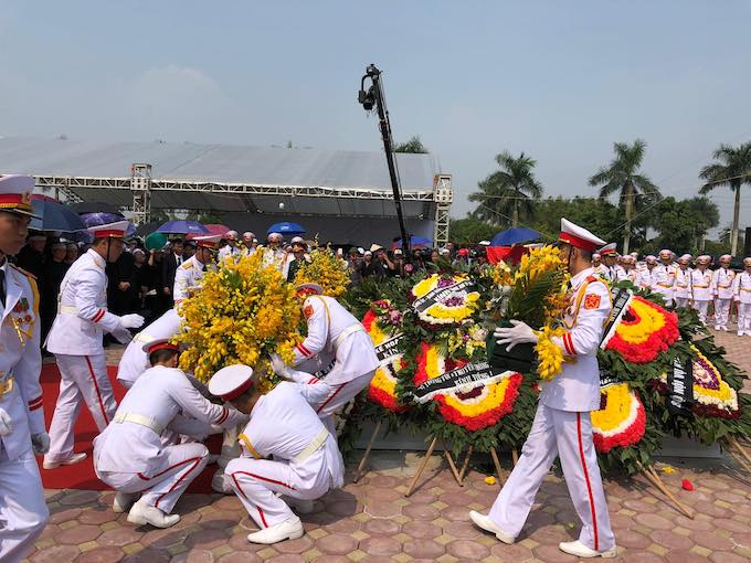 Nation bids farewell to former Party Chief Do Muoi - 11