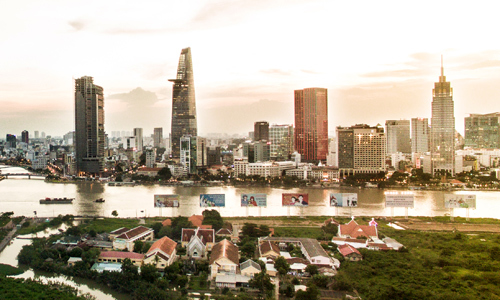 Foreign investors snap up prime office space in downtown Saigon