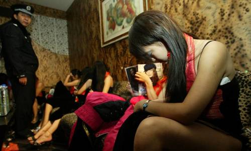 Malaysia arrests 31 Vietnamese women for working illegally