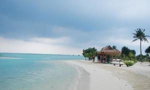 Indonesian islanders fight developer with snorkels and homestays