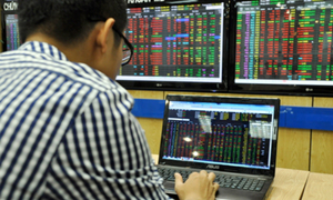 VN-Index drops 48 points, $6.5 billion gone