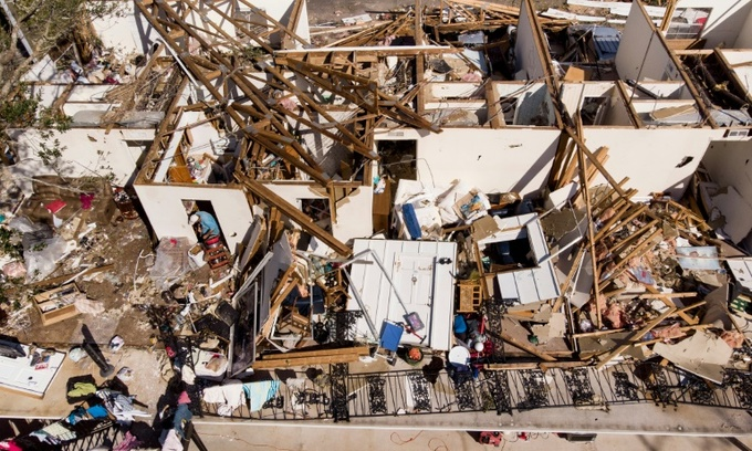 Search teams comb debris for victims of deadly Hurricane Michael