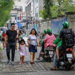 Weekly roundup: Hanoi history, traffic talks, giant banh mi and more - 14