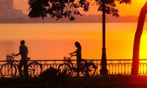 Riding the 'calm rush' of Hanoi's West Lake