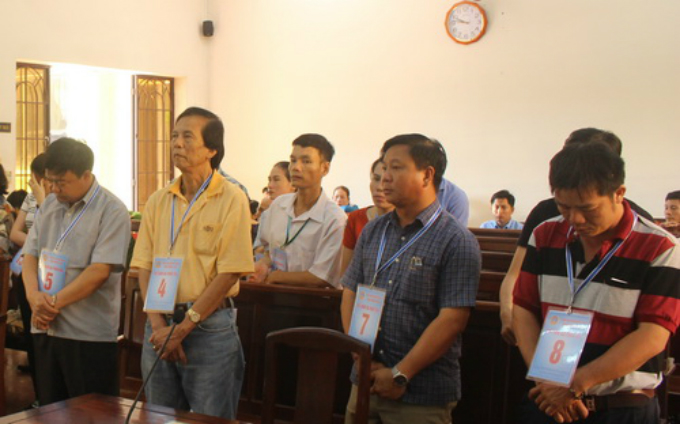 Defendants at court on October 16. Photo courtesy of VnExpress/Thai Ha