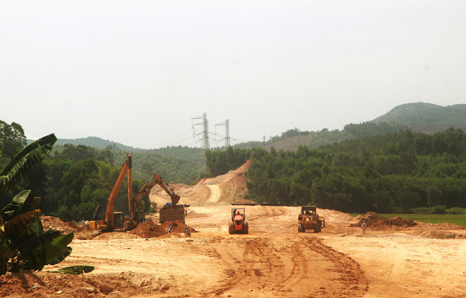 Central Vietnam expressway traversed a rough path, remains rough