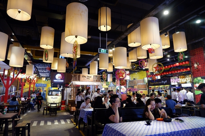 Dont know what to eat? Try Saigons underground food court