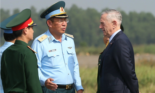 US defense secretary visits dioxin hotspot in Vietnam