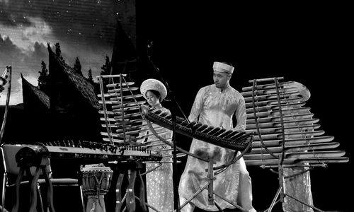 Vietnamese bamboo ensemble with classical aspirations