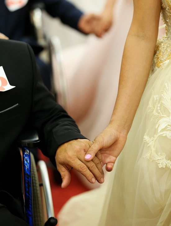 40 couples with disabilities enjoy a joint wedding in Saigon - 2