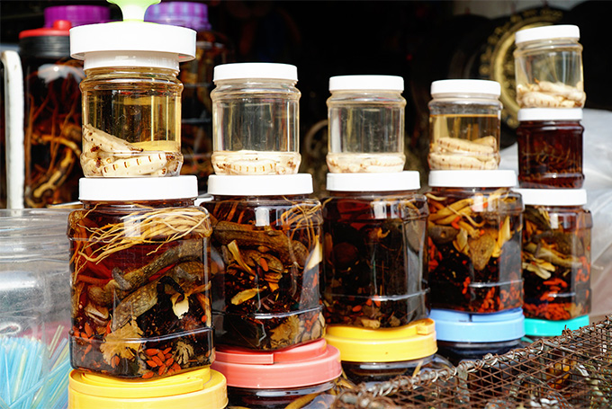 Poisonous insects rice wine  the perfect gift for thrill seekers - 5