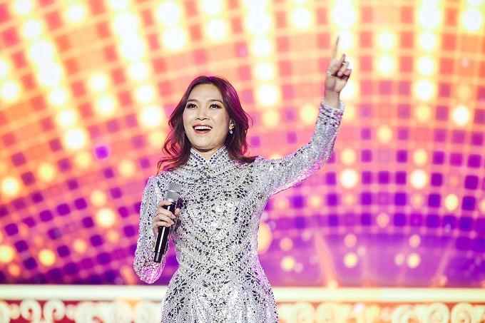 Vietnamese diva My Tam performs live to full house South Korea