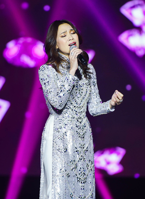 Vietnamese diva My Tam performs live to full house South Korea - 1