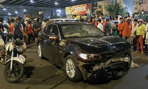 One dead, many injured as Saigon drunk driver crashes car into motorbikes