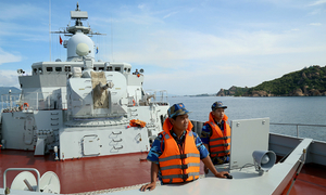 Vietnamese frigate docks in China for naval exercise