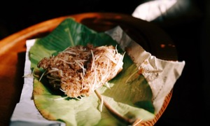 Coconut sticky rice a rare treat on Hanoi streets