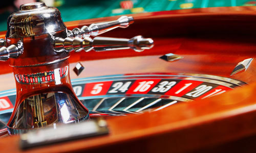 Ha Long casino continues to lose staff on poor business performance