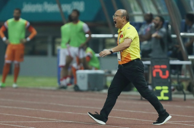 Vietnam football coach under AFF Cup pressure