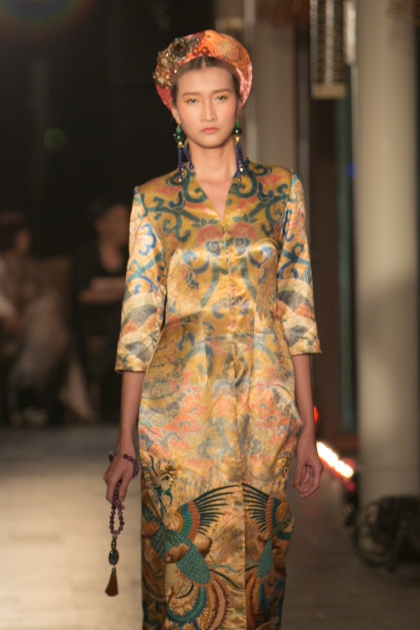 Vietnamese Opera adds a cultural highlight to Hues fashion show - 1