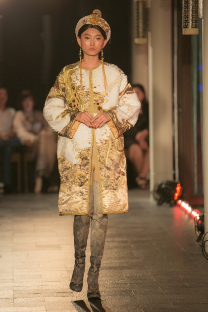 Vietnamese Opera adds a cultural highlight to Hues fashion show - 5
