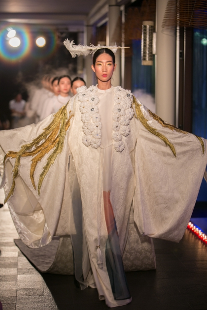 Vietnamese Opera adds a cultural highlight to Hues fashion show - 6