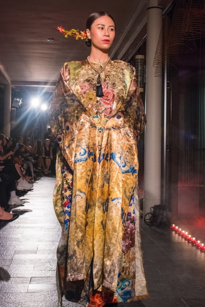 Vietnamese Opera adds a cultural highlight to Hues fashion show