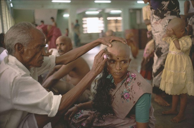 This article does not attack the tonsuring or collection of hair in temples since this practice can be seen as a donation rather than a deal. Photo by Jns/Gamma-Rapho via Getty Images.