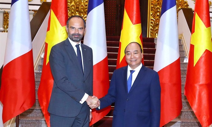 French PM's Vietnam visit marked with deals worth $10 bln
