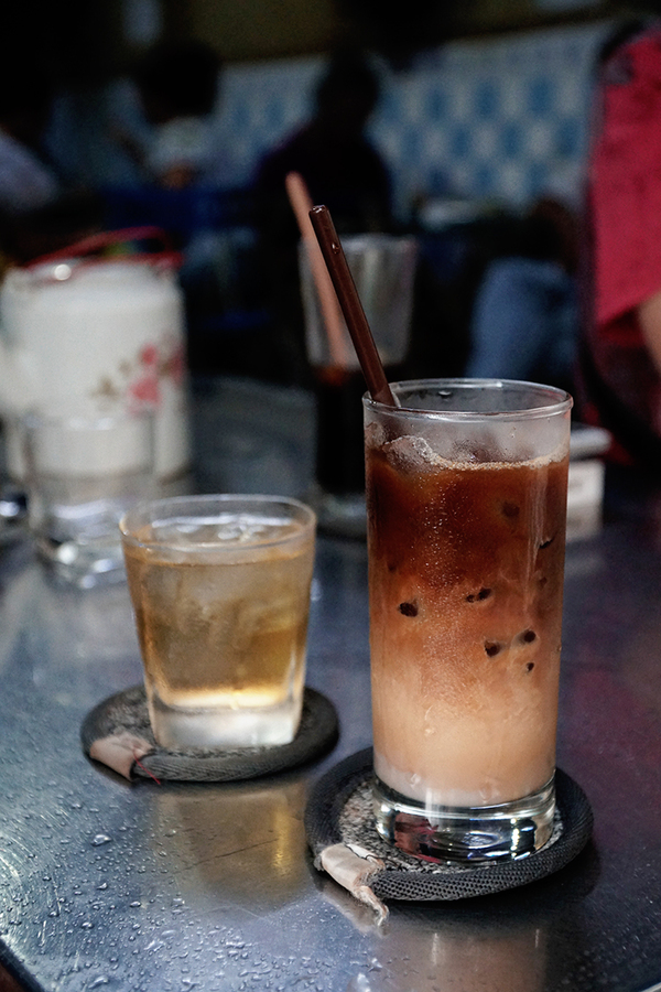 Veteran Saigon coffee shops offer a slow, easy start  - 4