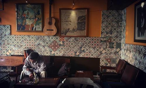 Veteran Saigon coffee shops offer a slow, easy start