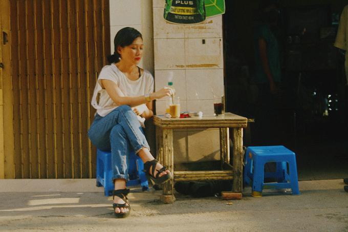 Veteran Saigon coffee shops offer a slow, easy start - 2