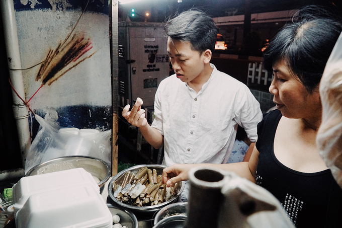 The kindergarten food stall witnesses Saigons love for snail for 18 years - 2