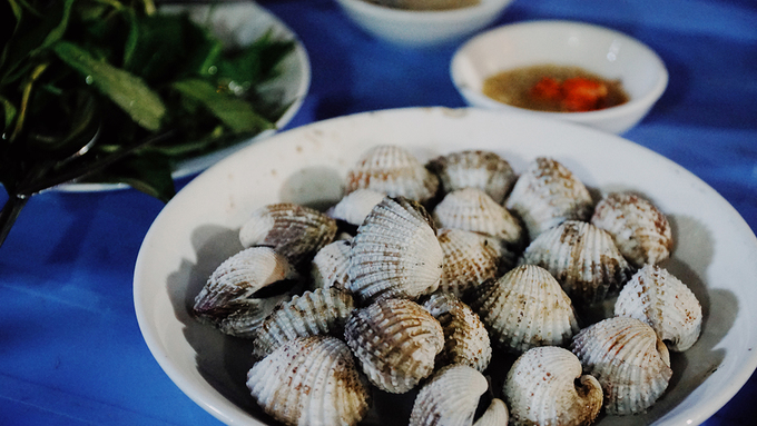 The kindergarten food stall witnesses Saigons love for snail for 18 years - 8