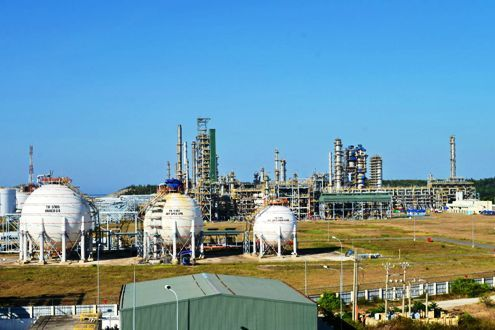 Dung Quat oil refinery seeks same treatment from government as rival