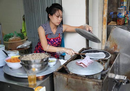 Ms Phuongs restaurant ishidden at the intersection of Hang Cot and Hang Ma streets.