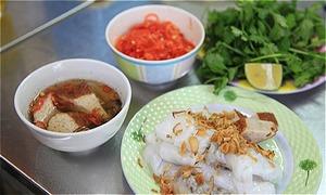 Hanoi banh cuon restaurant's unique sauce
